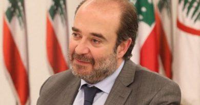 """مواد قابلة """"للإنفجار"""" في المرفأ.. عقيص يطمئن اللبنانيين: هناك جدية بالتعاطي"""