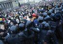 روسيا تقمع وتعتقل ما يقارب 4000 من المتظاهرين المحتجين.. تنديد دولي ومطالبة بالإفراج الفوري